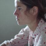 Portrait (vue de profil) de Géraldine Alibeu autrice illustratrice